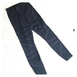 Cutout mesh lululemon leggings LUON size 6